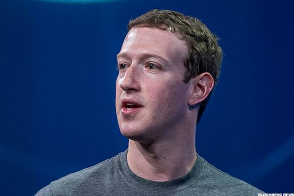 Facebook's Mark Zuckerberg Has Social Media Accounts Hacked — Tech Roundup
