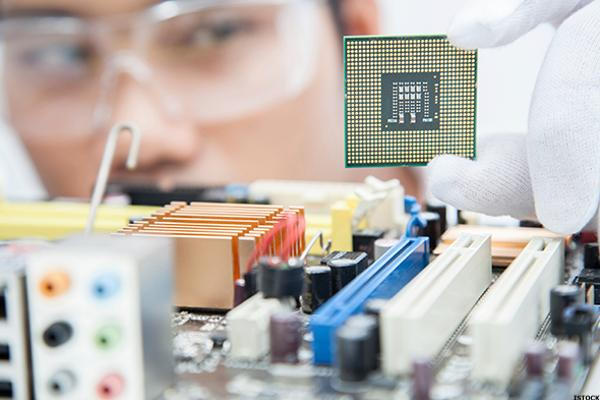 Here Is Why This Is the One Semiconductor Stock to Buy Right Now