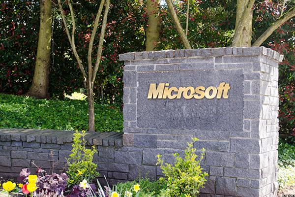 Cramer: Microsoft's Killer Quarter, and What It Means for Global Economies