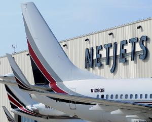 Despite Picketing Warren Buffett's Meeting, NetJets Pilots Hope to ...