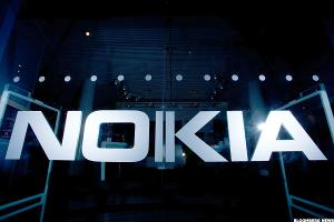 Nokia Shares Plunge After Networks Sales Decline