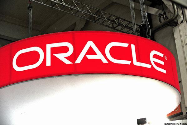 Oracle Is a Bargain in a Bifurcated Tech Market