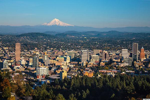 2 .Portland International (Oregon)