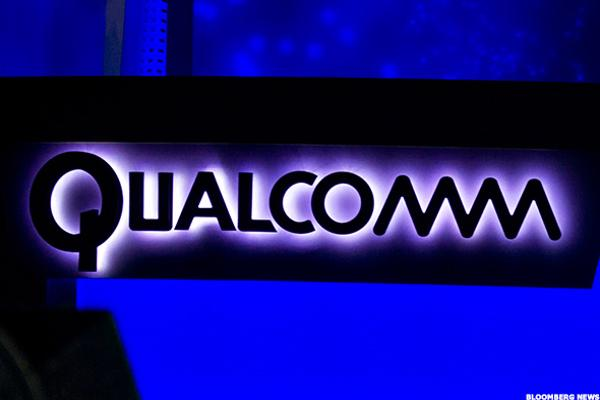 Qualcomm Shares Climb on JPMorgan Upgrade