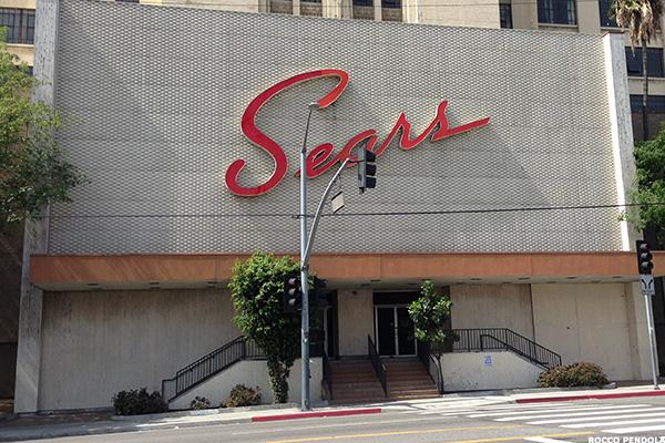 Here's the Shocking Amount of Cash Dying Sears May Burn Through This Year