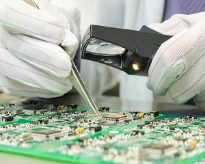 13 Best Semiconductor Stocks to Add to Your Portfolio Right Now