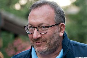 6 Stocks that Seth Klarman Loves