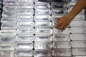 First Majestic Silver (AG) Stock Retreats on Lower Silver Prices