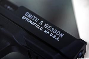 Smith & Wesson 2Q EPS, Sales Exceed Forecasts