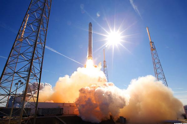 SpaceX Launches Spy Satellite; Google CEO's Big Payday -- Tech Roundup