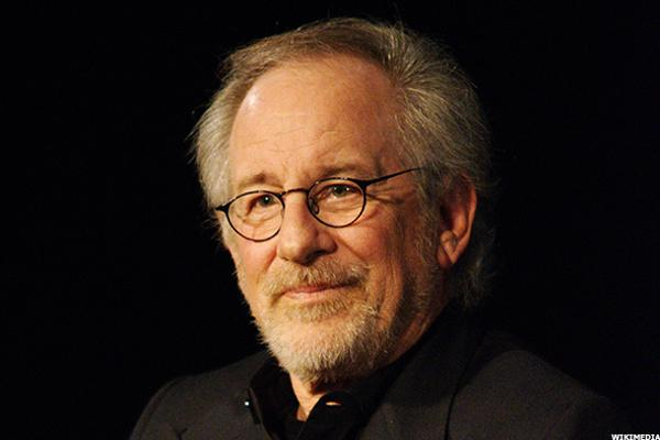 Spielberg Becomes Facebook Star to Promote 'The BFG'