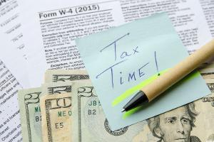 8 Awesome Freebies and Deals for Tax Day 2016
