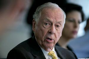 "T. Boone Pickens, Famed Corporate Raider, Takes ""Texas-sized"" Fall"