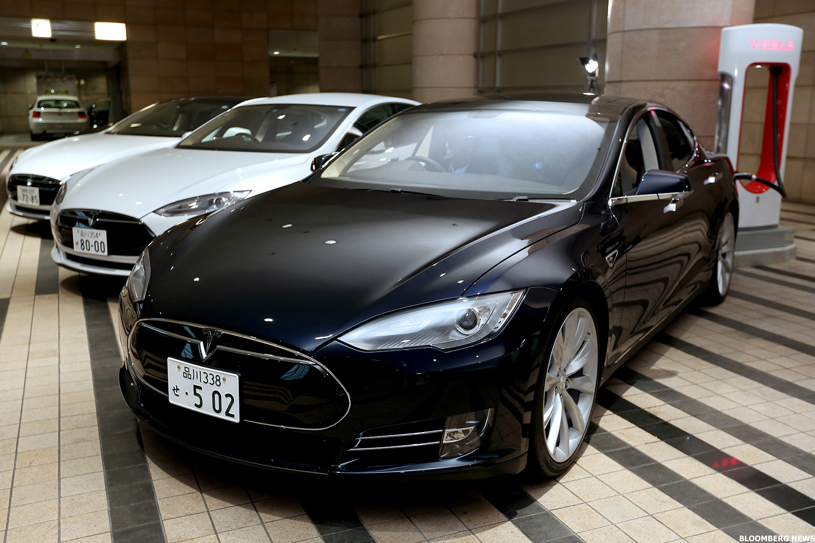 Tesla Tsla Stock Gets A Boost After Surpassing 10 000 Deliveries In First Quarter Thestreet