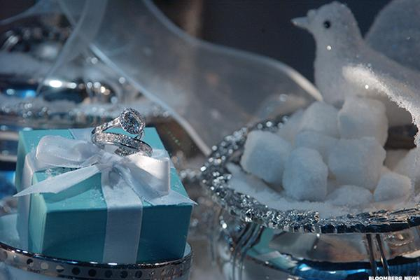 Tiffany Loses Sparkle in First Quarter as Sales Drop 7%
