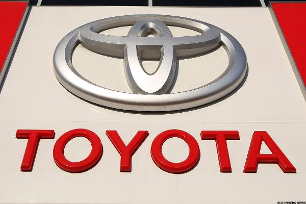 Toyota to Explore Blockchain For Self-Driving Cars