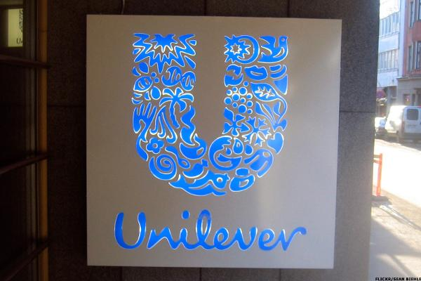 Unilever Falls on Slowing Sales Growth, Pricing Spat in U.K.