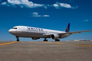 United Continental (UAL) Stock Down, CEO Munoz: 'No More Holes in Management Team'