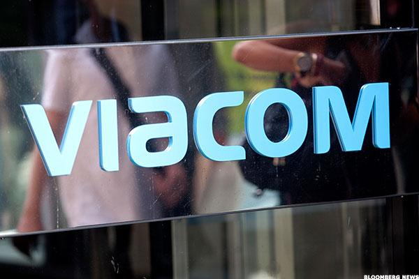 Viacom CEO Philippe Dauman Vows to Push Ahead With Paramount Stake Sale
