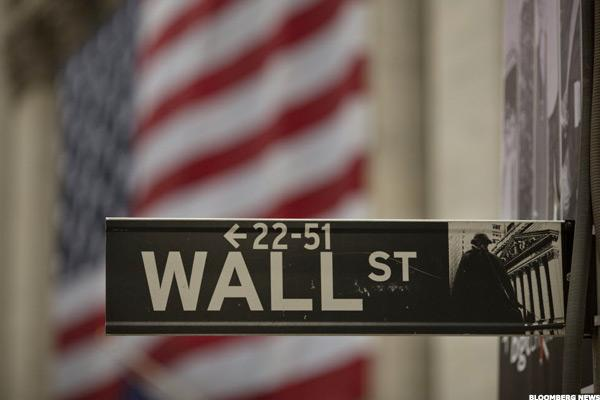 Wall Street Ends in Red as Crude Closes at Three-Week Low