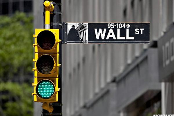 Stocks Rising as Wall Street Factors In Possible September Rate Hike