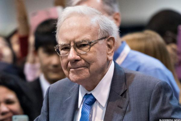 Buffett's Berkshire Hathaway Loses Hundreds of Millions Following IBM's Disappointing 1Q