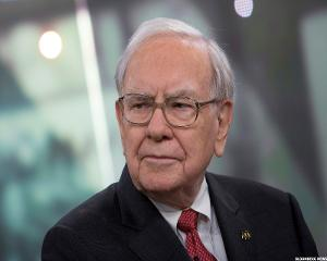Warren Buffett Talks China, Interest Rates and Defends 3G
