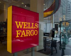Wells Fargo Opens More Branches as Rivals Replace Them With Mobile