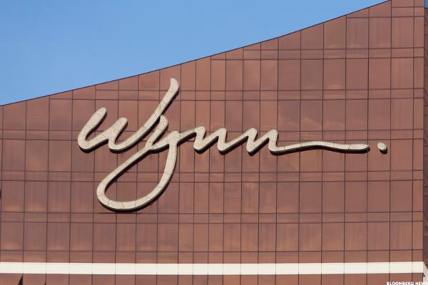 Wynn Stock Pops, Investors Look to Macau