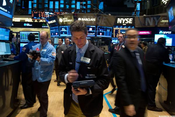 Stocks Close Lower, Led by Retail and Energy Shares